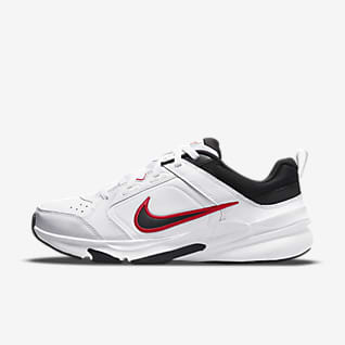 Nike Defy All Day Pánská tréninková bota