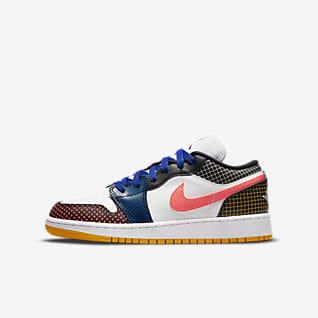 Enfant Jordan Chaussures. Nike LU