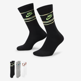 Nike Sportswear Everyday Essentials ถุงเท้าข้อยาว