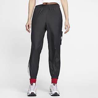 Nike Sportswear กางเกงขายาวผู้หญิงแบบทอ
