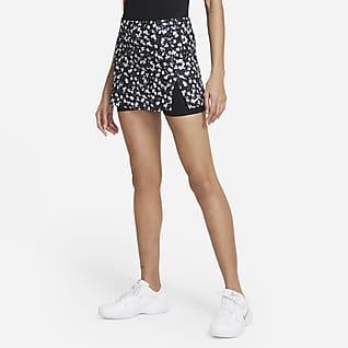 NikeCourt Dri-FIT Victory Mönstrad tenniskjol för kvinnor