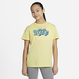 Nike Sportswear Essential Playera desteñida para niñas talla grande