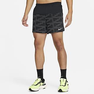 "Nike Dri-FIT Challenger Run Division 男款 5"" 隱藏式內裡跑步短褲"