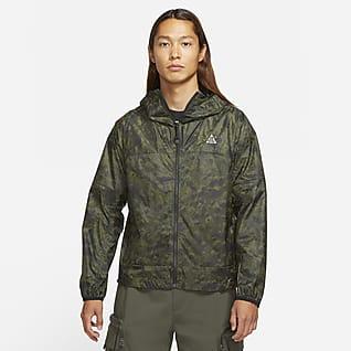 """Nike ACG """"Cinder Cone"""" เสื้อแจ็คเก็ตกันลมพิมพ์ลายทั่วตัวผู้ชาย"""