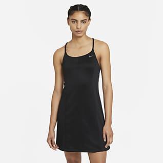 Nike Sportswear Icon Clash Платье