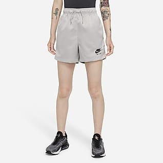 Nike Air กางเกงขาสั้นเอวสูงแบบทอผู้หญิง