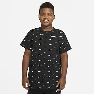 Nike Sportswear Playera estampada para niños talla grande (talla extendida)