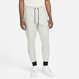 Nike Sportswear Dri-FIT Tech Pack Męskie spodnie dresowe bez podszewki