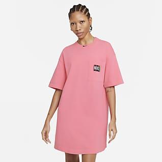 Nike Sportswear เดรสผู้หญิงฟอกสี