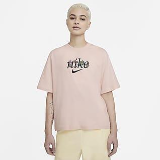 Nike Sportswear Kadın Tişörtü