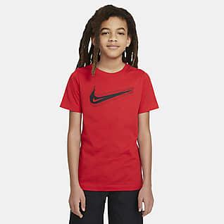 Nike Sportswear Playera con Swoosh para niños talla grande