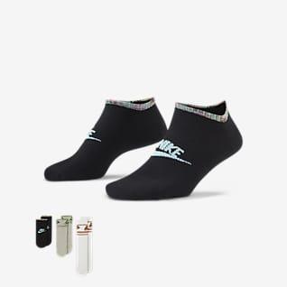 Nike Sportswear Everyday Essential ถุงเท้า (3 คู่)