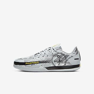 Nike Jr. Phantom Scorpion Academy IC Younger/Older Kids' Indoor Court Football Shoe