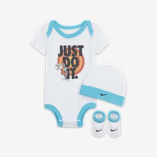 Nike Háromrészes díszdobozos szett babáknak