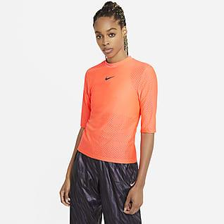 Nike Sportswear Icon Clash Женская футболка