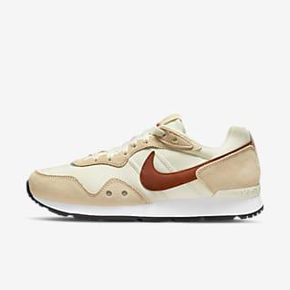 Nike Venture Runner Wide 女子运动鞋