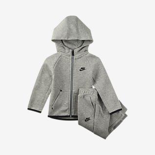 Nike Sportswear Tech Fleece Conjunto de sudadera con capucha con cierre y pantalones para bebé (de 12 a 24 meses)