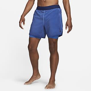 Nike Yoga Dri-FIT Shorts 2 en 1 para hombre
