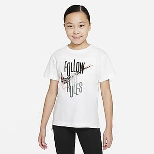 Nike Sportswear เสื้อยืดเด็กโต (หญิง)
