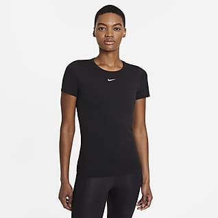 Nike Dri-FIT ADV Aura Damestop met aansluitende pasvorm en korte mouwen