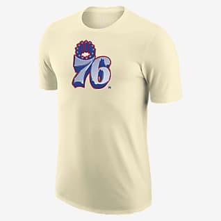 Philadelphia 76ers Earned Edition Camiseta Logo Nike Dri-FIT de la NBA - Hombre