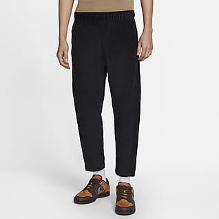 Nike Sportswear Męskie spodnie o skróconym kroju