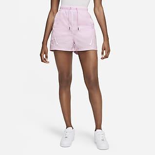 Nike Sportswear Swoosh Kadın Şortu