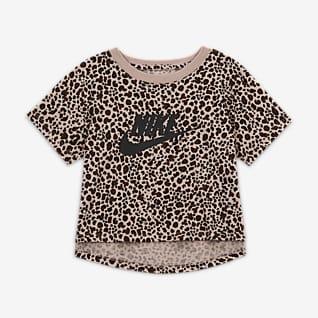 Nike Sportswear Kort tröja med tryck för ungdom (tjejer)