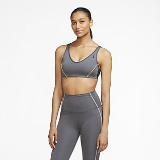 Nike Favorites Women's Light-Support Padded Sports Bra