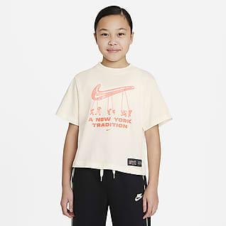 Nike Sportswear Playera cuadrada para niña talla grande