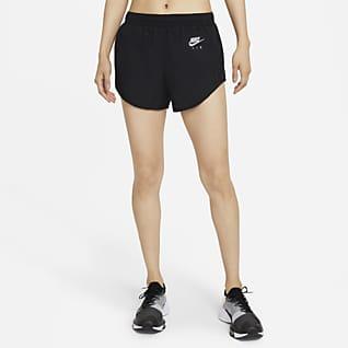 Nike Air Dri-FIT กางเกงวิ่งขาสั้นมีซับในผู้หญิง