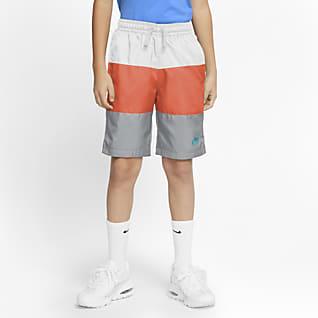 Nike Sportswear Shorts i vävt material för killar