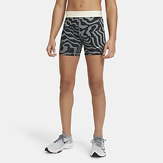 Nike Pro 8 cm Baskılı Genç Çocuk (Kız) Şortu