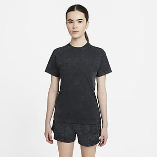 Nike Sportswear Top de manga corta lavado para mujer