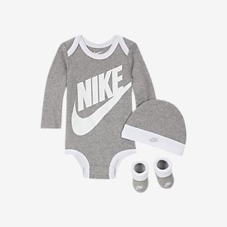Nike Baby (0-6M) Bodysuit, Hat and Booties Box Set
