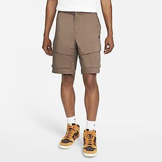 Nike Sportswear Tech Pack Ofodrade cargoshorts i vävt material för män