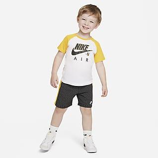 """Nike """"Little Bugs"""" Conjunto de playera y shorts para bebé"""