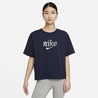 Nike Sportswear เสื้อยืดผู้หญิง