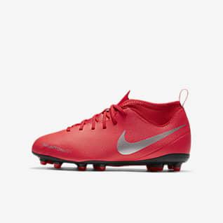 Nike Jr. Phantom Vision Club Dynamic Fit MG Younger/Older Kids' Multi-Ground Football Boot