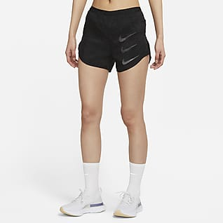 Nike Tempo Luxe Run Division กางเกงวิ่งขาสั้น 2-In-1 ผู้หญิง