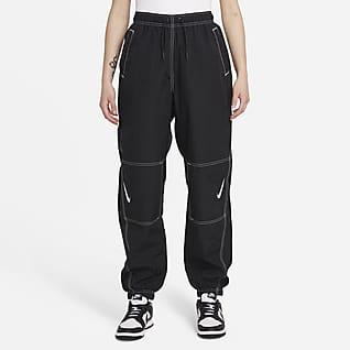 Nike Sportswear Swoosh Repel Pantalones para mujer