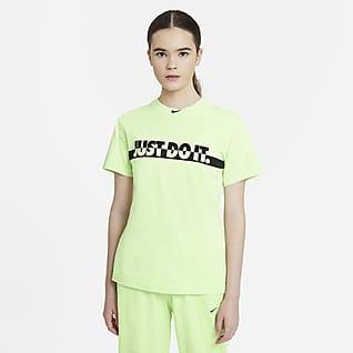 Nike Sportswear เสื้อแขนสั้นผู้หญิงฟอกสี