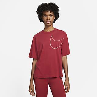 Nike Dri-FIT Trenings-T-skjorte med firkantet passform til dame