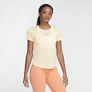 Nike Women's Short-Sleeve top