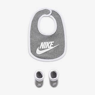 Nike Conjunto de babero y calzado para bebés (0 a 6 meses)
