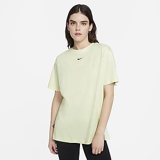 Nike Sportswear Essential Bol Kesimli Kısa Kollu Kadın Üstü