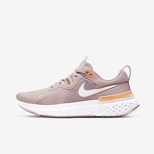 white nike running shoes womens