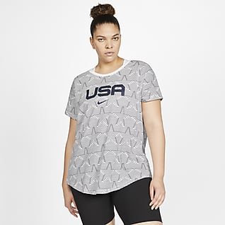 Nike Sportswear Playera con estampado USA para mujer (talla grande)