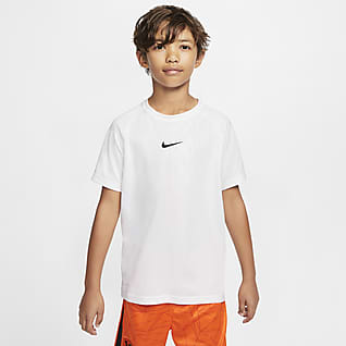 Nike Dri-FIT Older Kids' (Boys') Training T-Shirt