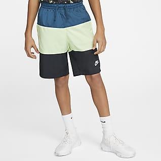 Nike Sportswear Vævede shorts til store børn (drenge)